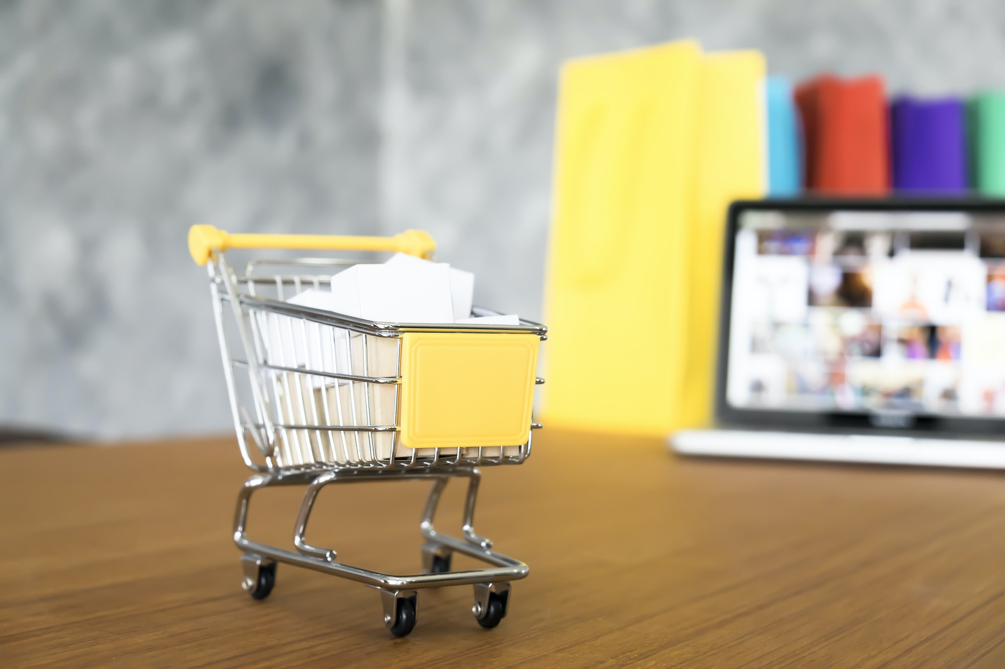 Shopping online and delivery